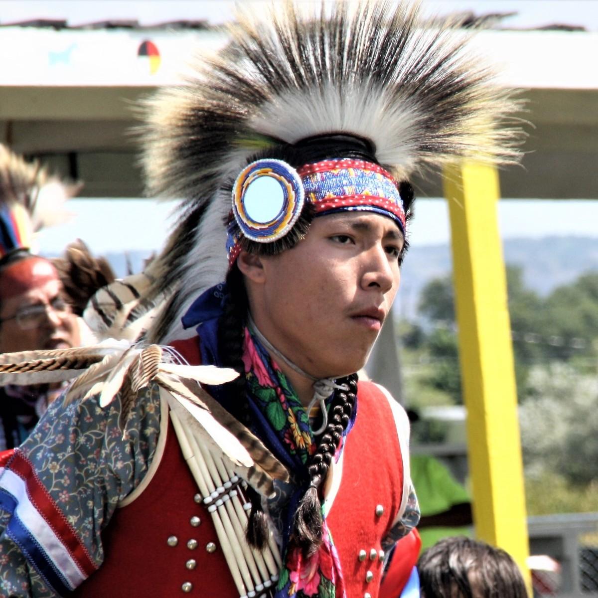 Mengalami Amerika (5): Pow Wow, Tarian Sakral Yang Menggoncang Bumi Lakota